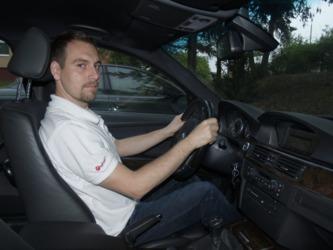 správné sezení v autě