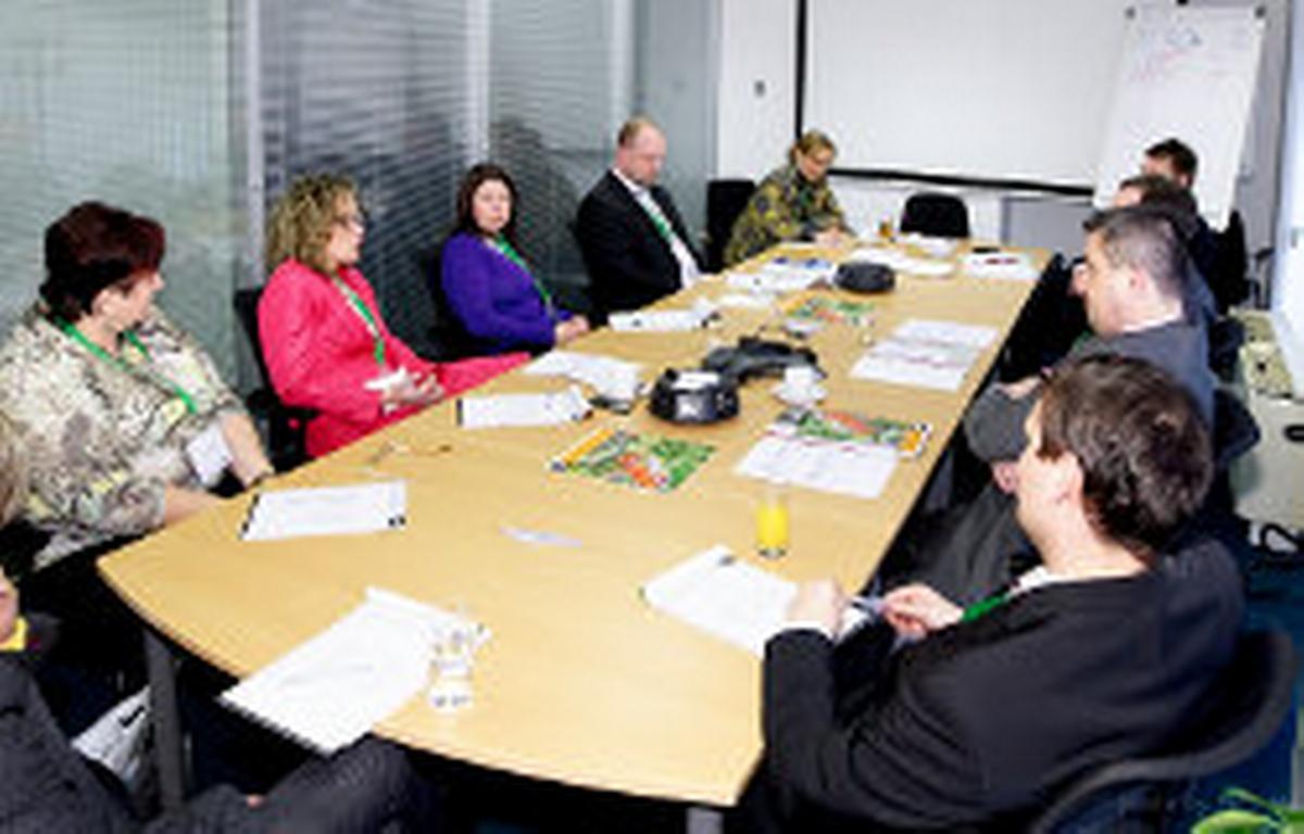 HR živě 23.2.2012 - diskusní skupina Motivační systémy - nefinanční odměňování