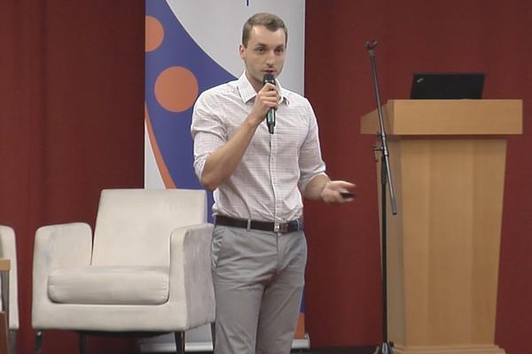 """Josef Kadlec na akci """"HR Meeting - Aktuální trendy s top experty na sociální média a recruitment"""", Praha, 30.10.2013"""