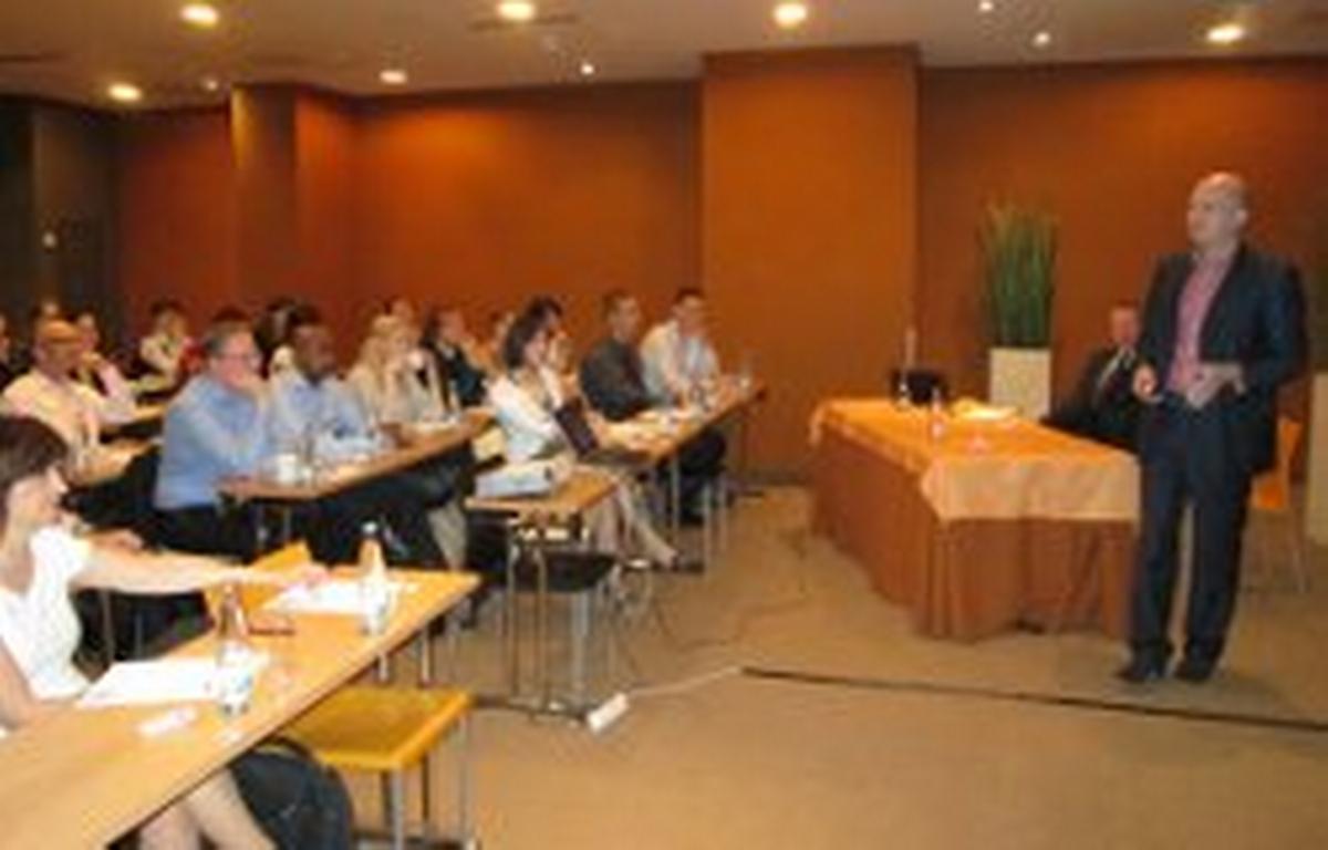 Piotr Mrozinski, Territory Manager CEE LinkedIn, na semináři pořádaném společností Hays Česká republika, Praha 4. června 2014