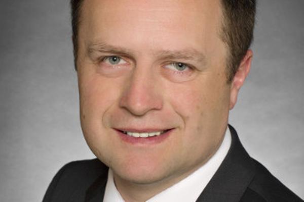 Tomáš Pavlík, Profinit