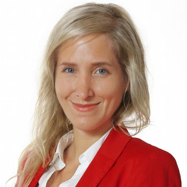 Barbora Habáňová, Grafton Recruitment