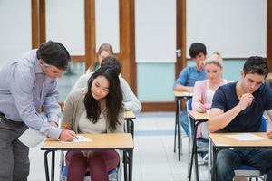Studie: Zaměstnavatelé poskytují více vzdělávání a méně stravenek