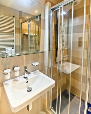 Hotel Luna - ubytování, koupelna