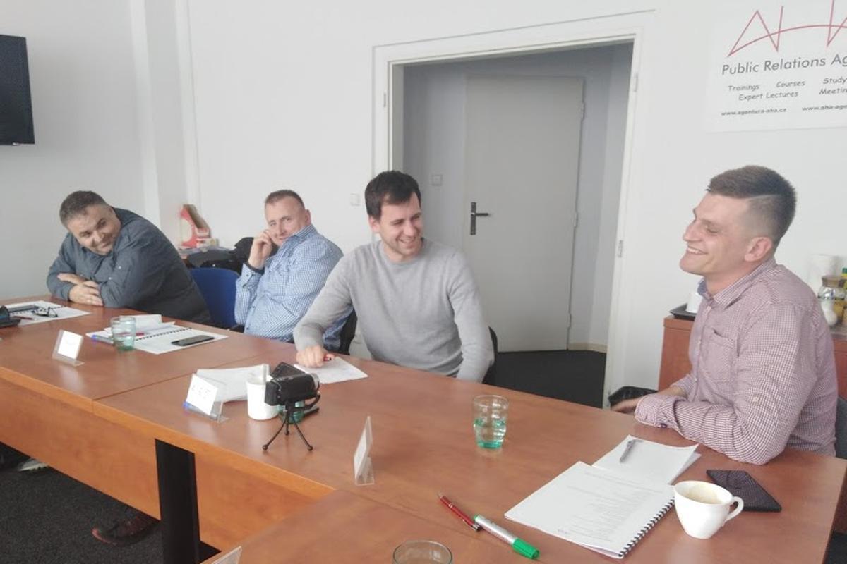 Cvičení na kurzu Komunikace v obtížných situacích.