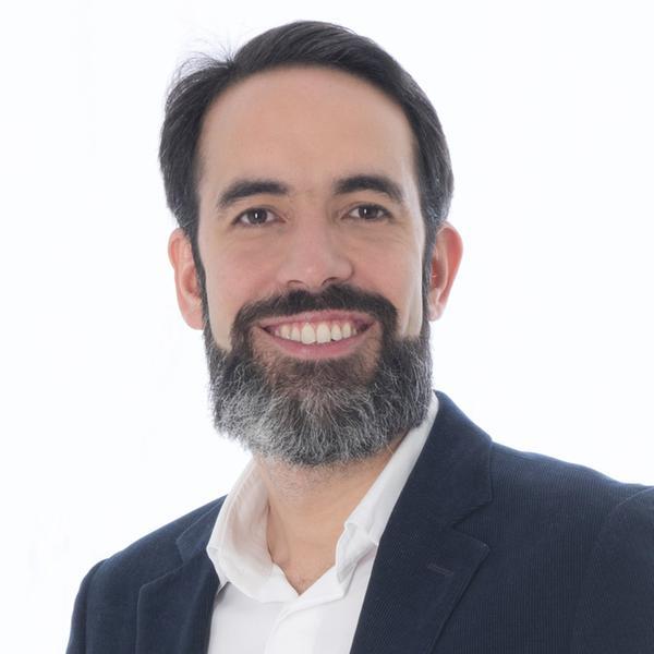 Maximiliano Bellassai, T-Mobile